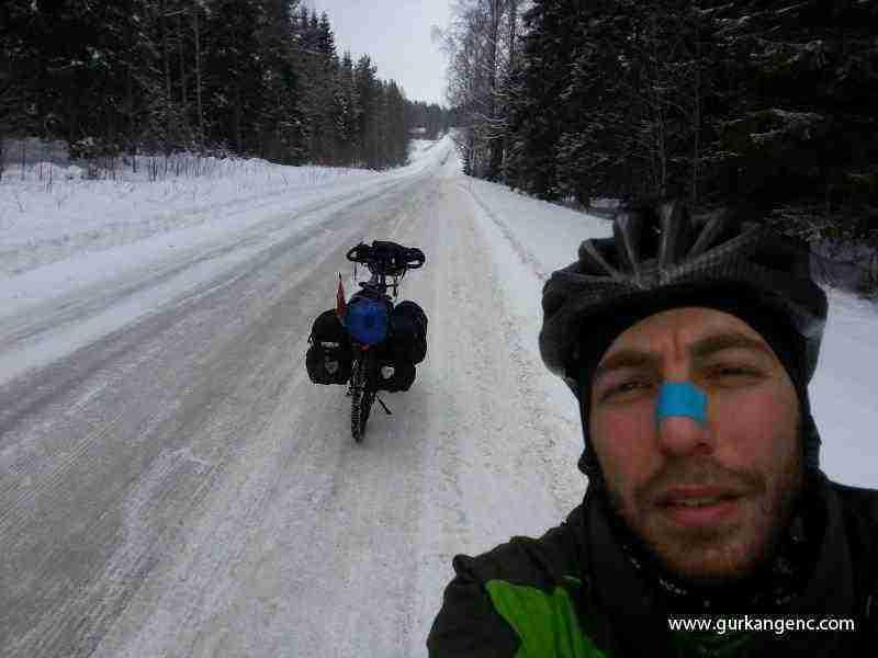 Buzlu yollarda.