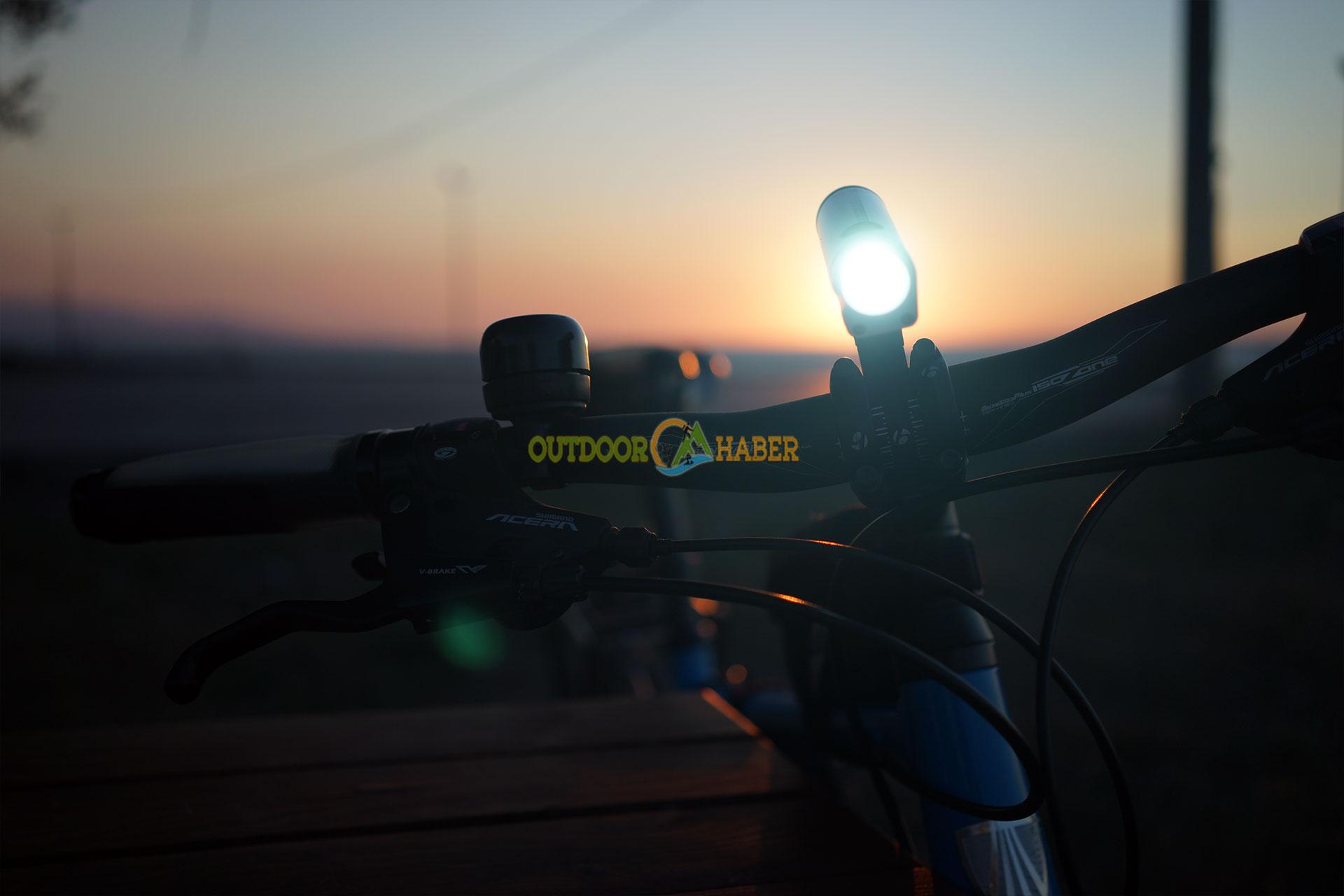 bontrager ion 700 bisiklet farı
