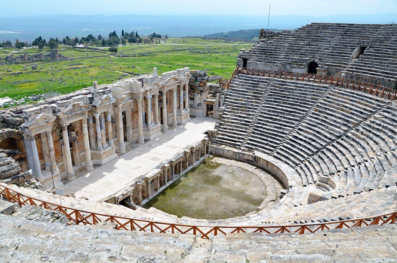 hierapolis antik roma tiyatrosu