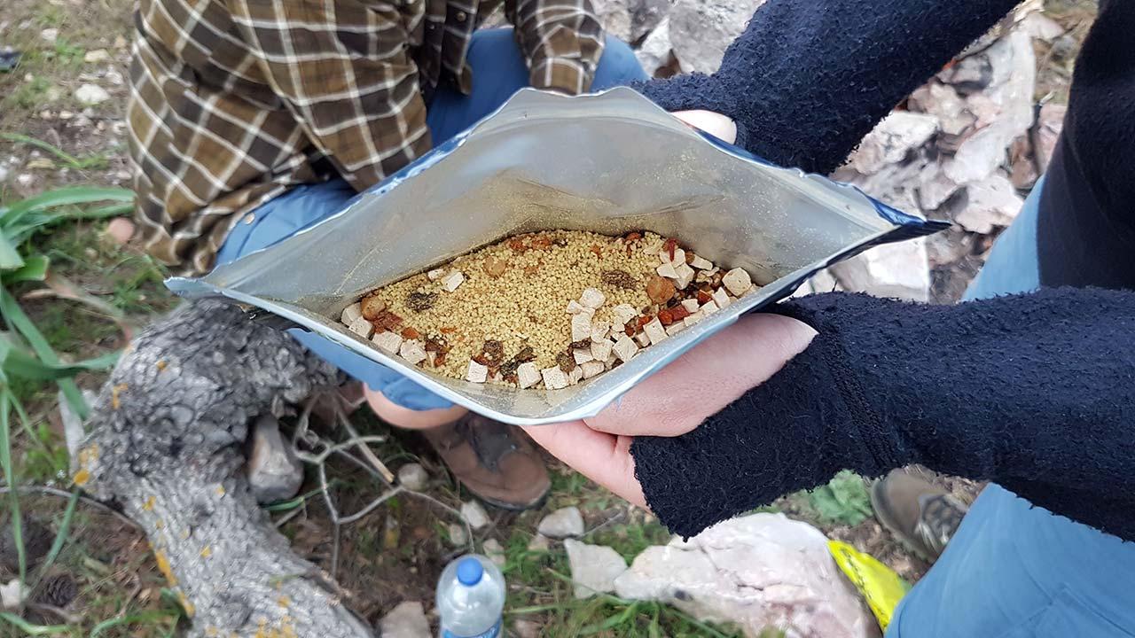 Kuru kamp gıdası