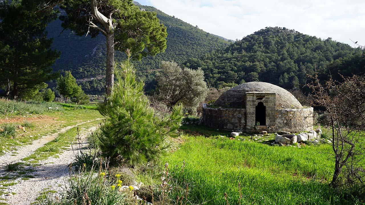 Likya yolu üzerinde Osmanlı sarnıcı