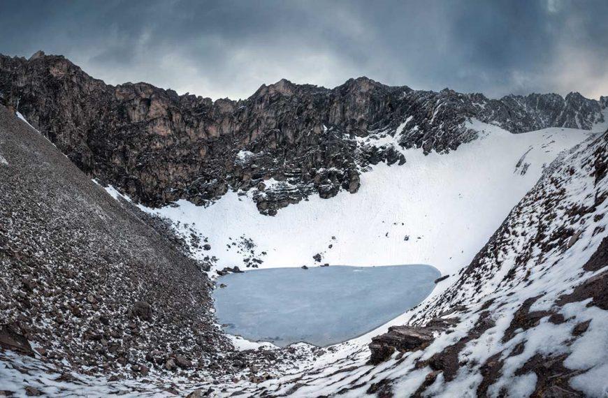 Himalayalar'daki İskelet Gölü'nün Gizemi