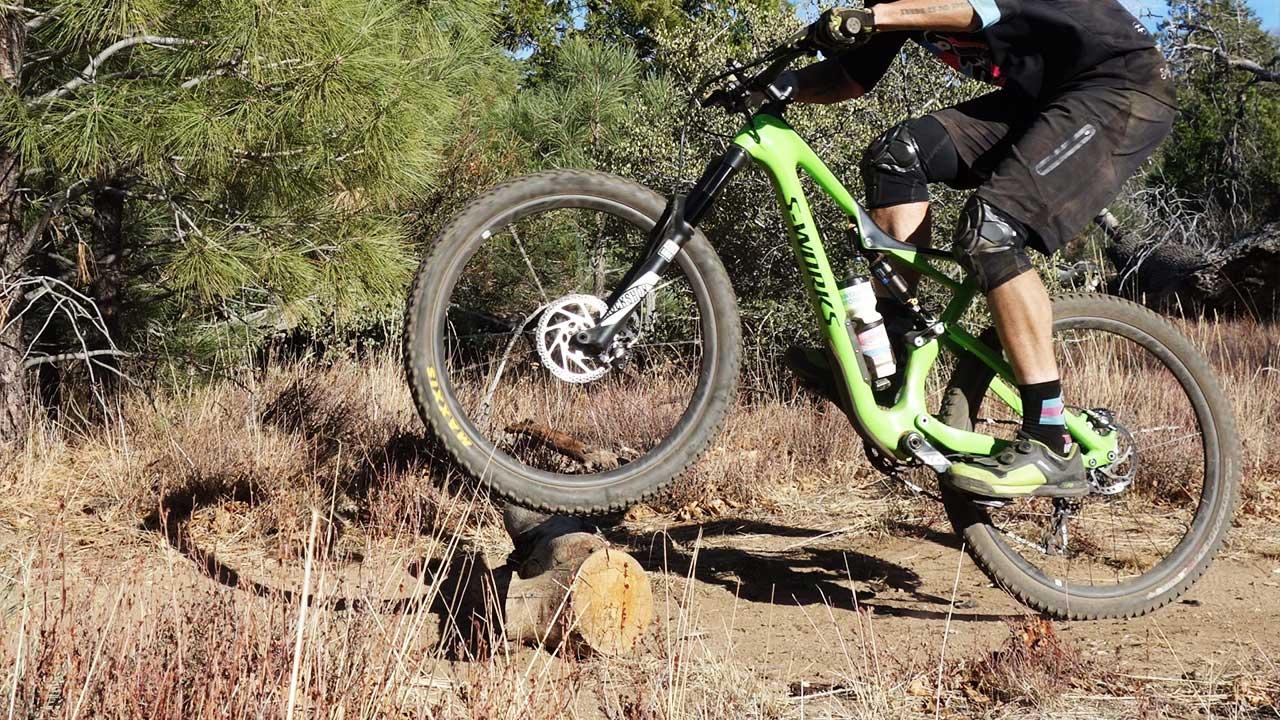 dağ bisikletiyle engel aşma