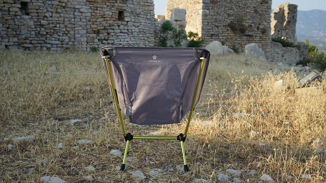 helinox Chair Zero arkadan görünüm